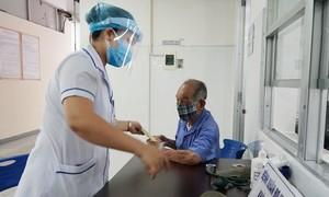 Bệnh nhân mắc Covid-19 chưa rõ nguồn lây, đi nhiều nơi ở Hà Nội, Hải Dương