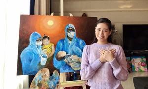 Hoa hậu Khánh Vân vẽ tranh đấu giá ủng hộ quỹ chống dịch