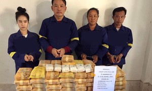 Mật phục trong rừng sâu bắt nhóm buôn ma túy xuyên quốc gia