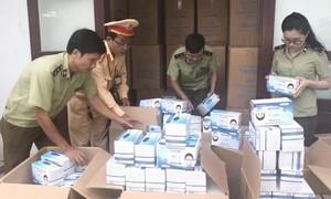 CSGT bắt vụ vận chuyển gần 1 triệu khẩu trang y tế không rõ nguồn gốc