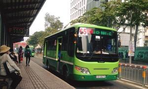 Nhắc nhở khách tắt nhạc, tiếp viên xe buýt ở Sài Gòn bị đánh bầm mắt