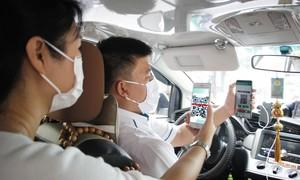 Đi taxi rẻ hơn với VNS Prepaid – Vinasun trả trước