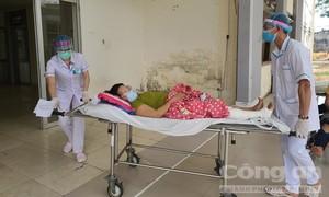 """Đội ngũ y bác sĩ lạc quan: """"Chúng tôi đang đi du lịch dài ngày"""" ở Đà Nẵng"""