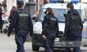 Ba Lan bắt giữ 34 người nhập cư trái phép trốn trong xe tải
