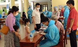 Đà Nẵng xét nghiệm hơn 700 du khách trước khi bay về TPHCM