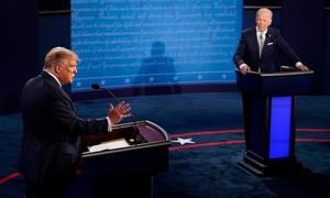 Hỗn loạn tràn ngập trong buổi tranh luận đầu tiên giữa Trump và Biden