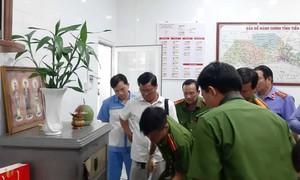 Trộm phá két sắt cửa hàng xe máy, may mắn không mất 700 triệu đồng