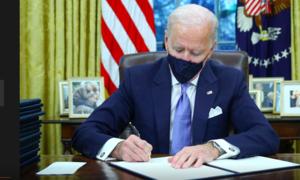 Tổng thống Biden ký hàng loạt sắc lệnh đảo ngược chính sách thời Trump