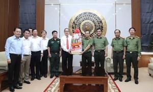 Đồng chí Nguyễn Thiện Nhân thăm, chúc Tết tại Công an TPHCM và Quân khu 7