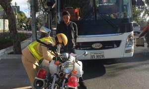 """Xử lý xe khách biển số Lào, Campuchia """"nhảy dù"""" cạnh tranh ở Lâm Đồng"""