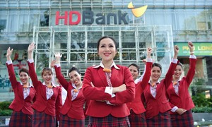 """4 năm liền HDBank được vinh danh """"Nơi làm việc tốt nhất châu Á"""""""