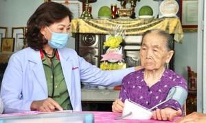 Bác sĩ Lê Thị Mỹ Phượng: Tận tụy dưới hai màu áo