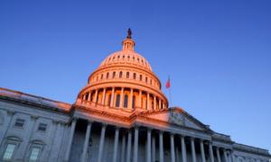 Nghị sĩ Thượng viện Mỹ bác yêu cầu tăng lương tối thiểu