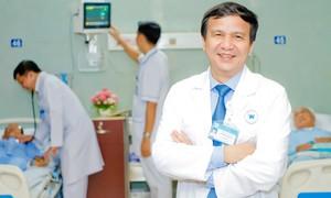 Những người lính khoác áo blouse trắng: Cứu mạng bệnh nhân là trên hết