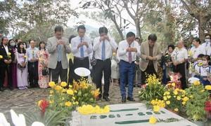 Ấm áp lễ tưởng niệm 78 năm ngày mất bác sĩ Alexandre Yersin