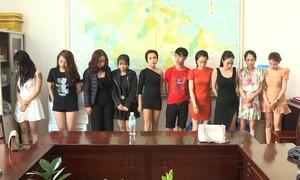 Hàng chục nam nữ thuê karaoke mở tiệc ma túy và đánh bạc