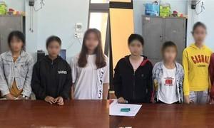 """Đột kích """"động quỷ"""" ở Quảng Ngãi, giải cứu 8 thiếu nữ, có em mới 15 tuổi"""