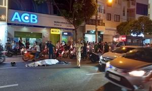 TPHCM: Tông đuôi xe khách, người đàn ông tử vong, giao thông ùn tắc