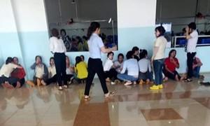 Hàng chục công nhân nhập viện sau bữa trưa ở công ty