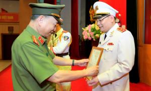 Thăng hàm Trung tướng đối với đồng chí Tô Ân Xô, Chánh Văn phòng Bộ Công an