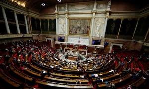 Pháp ra luật xem quan hệ tình dục với người dưới 15 tuổi là hiếp dâm