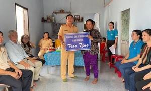 """Trạm CSGT Hàm Tân tặng nhà """"mái ấm tình thương"""" cho hộ nghèo"""