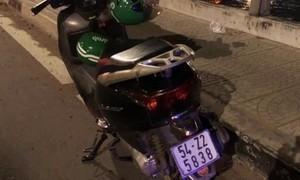 Người đàn ông bỏ lại máy biển số TPHCM, nghi nhảy cầu Đồng Nai