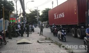Người đàn ông đang chạy xe bất ngờ gục chết ở Sài Gòn