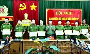 """Gia Lai: 8 đơn vị được khen thưởng trong """"chiến dịch"""" cấp CCCD"""