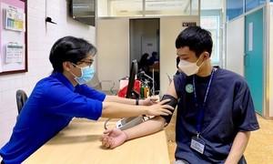 TPHCM: Tiêm vắc-xin ngừa COVID-19 cho sinh viên tham gia chống dịch