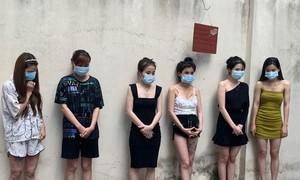Hơn 40 đối tượng bay lắc tại quán karaoke ở Hà Nội