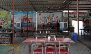 Các quán ăn ven đường ở Ấn Độ lao đao vì dịch Covid-19