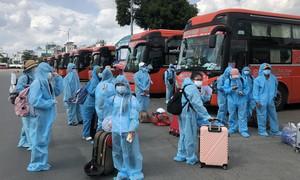 Phương Trang tiếp tục đồng hành đưa người dân về quê tránh dịch