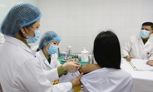 Bộ Y tế lên tiếng trước việc 2 tỉnh xin tiêm thử nghiệm tiêm vaccine Nano Covax