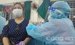 """TPHCM: Đề xuất cấp """"Thẻ xanh Covid"""" cho người đã tiêm ít nhất 1 liều vắc xin"""
