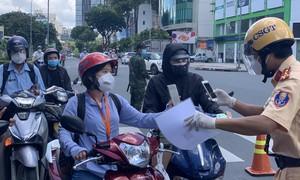 TPHCM: Tiếp tục xử lý nghiêm người ra đường không chính đáng