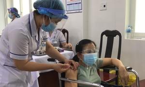"""Đồng bằng sông Cửu Long: Chờ vaccine như """"nắng hạn ngóng mưa mùa"""""""