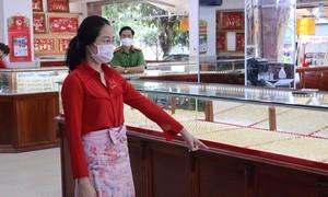 Khởi tố nữ nhân viên trộm 2.380 nhẫn vàng của chủ tiệm vàng