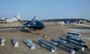 Trung Quốc trình làng máy bay không người lái và phản lực mới