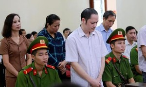 Khởi tố vụ 2 học sinh cá biệt ở Hà Giang trúng tuyển vào trường Công an
