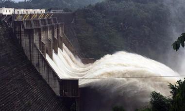 Quảng Nam thiệt hại khoảng 1.000 tỷ đồng do bão, các thủy điện xả tràn