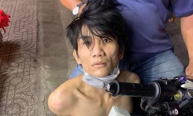 """Tên cướp giật dây chuyền bị """"hiệp sĩ"""" ở Sài Gòn bắt nóng"""