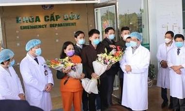 Hai bệnh nhân nhiễm nCoV điều trị tại Hà Nội ra viện