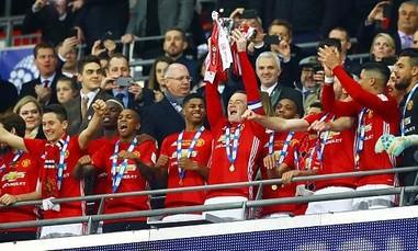 Ibrahimovic tỏa sáng đưa MU lên đỉnh League Cup