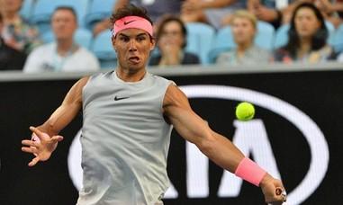 'Bò tót' Nadal 'say nắng' Melbourne