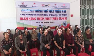 HDBANK mang ánh sáng đến cho 300 người nghèo