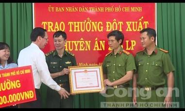 Khen thưởng Ban chuyên án phá đường dây buôn 300 kg ma túy