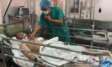 Mổ lấy 1kg máu cục, cứu sống bệnh nhân bị đâm thấu ngực