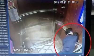 Người đàn ông có hành vi ôm, và dường như muốn hôn bé gái. Ảnh cắt từ clip