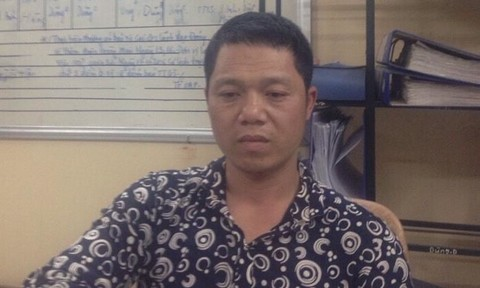 Tên nghiện ma túy dùng dao dí cổ lái xe taxi, cướp tài sản